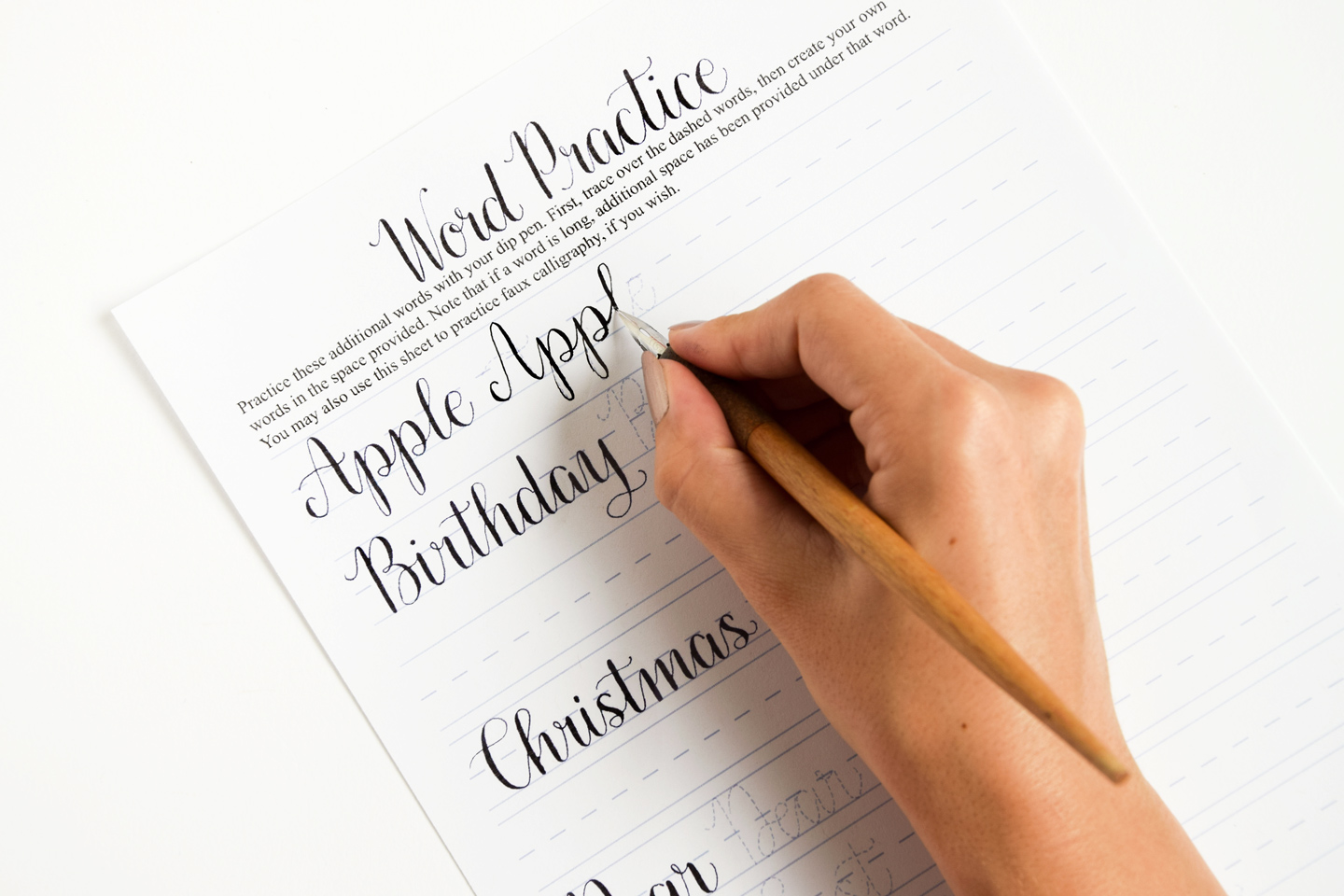 Learn calligraphy guidelines: best calligraphy papers for practice