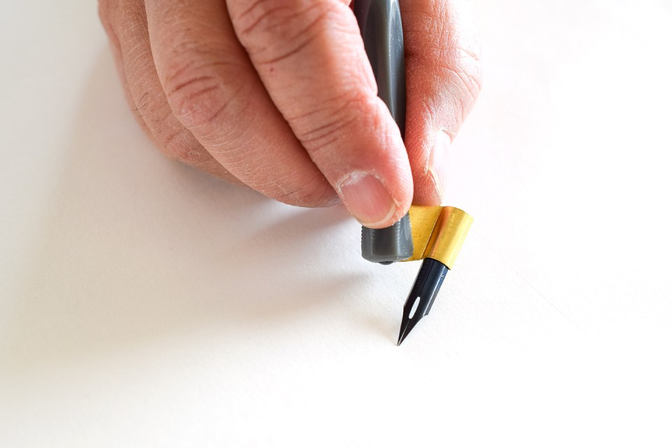 How to Adjust an Oblique Pen Holder | The Postman's Knock