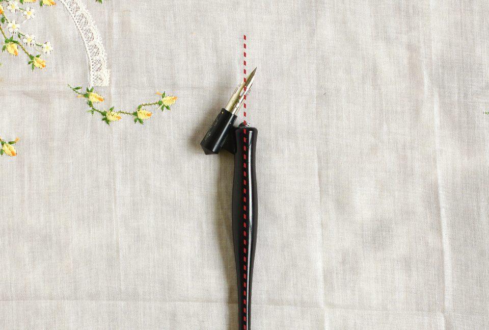 Plastic Oblique Calligraphy Pen | The Postman's Knock