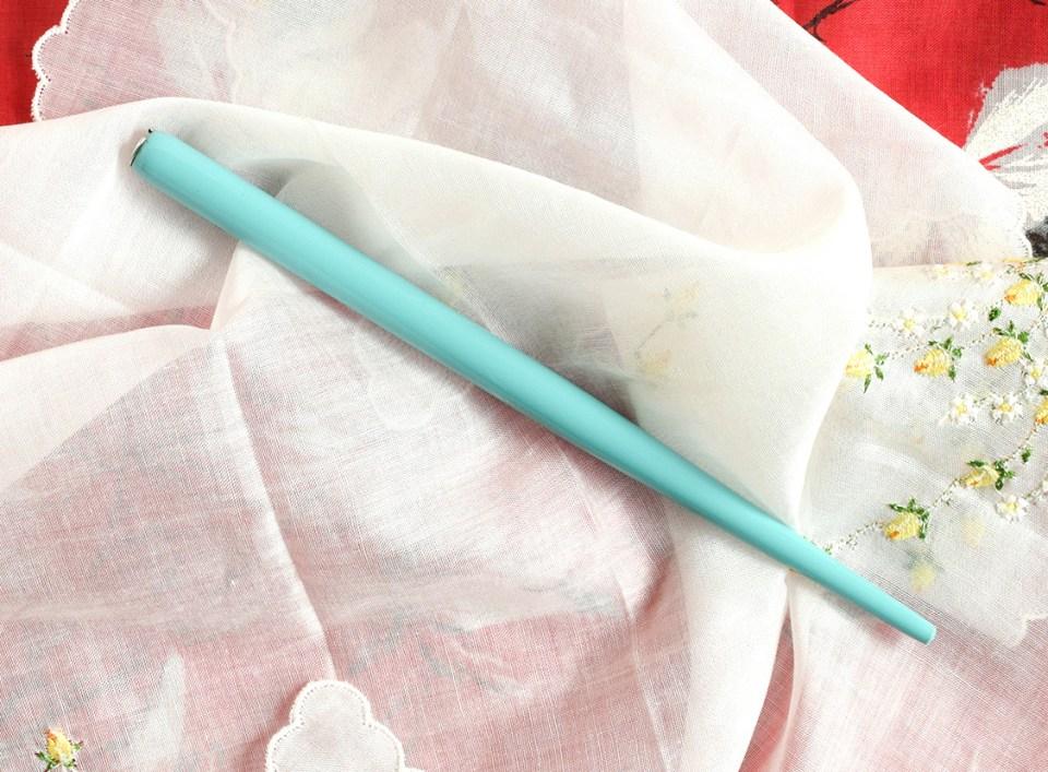 A straight pen holder | The Postman's Knock
