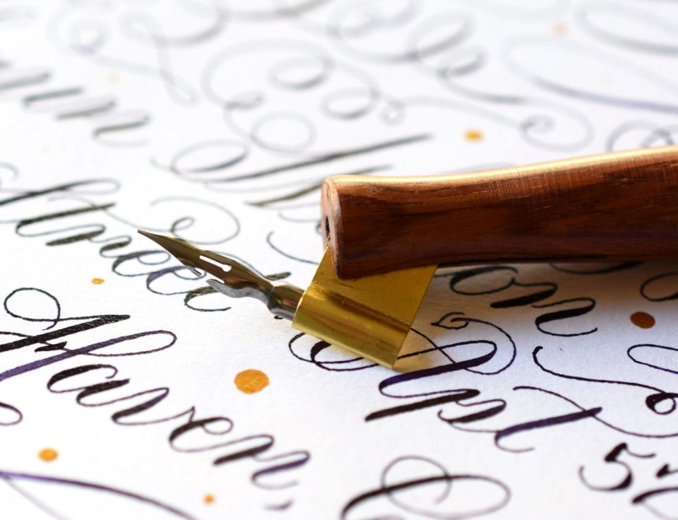 This is TPK's Signature Brause EF66 Oblique Pen fitted for right-handed calligraphers!