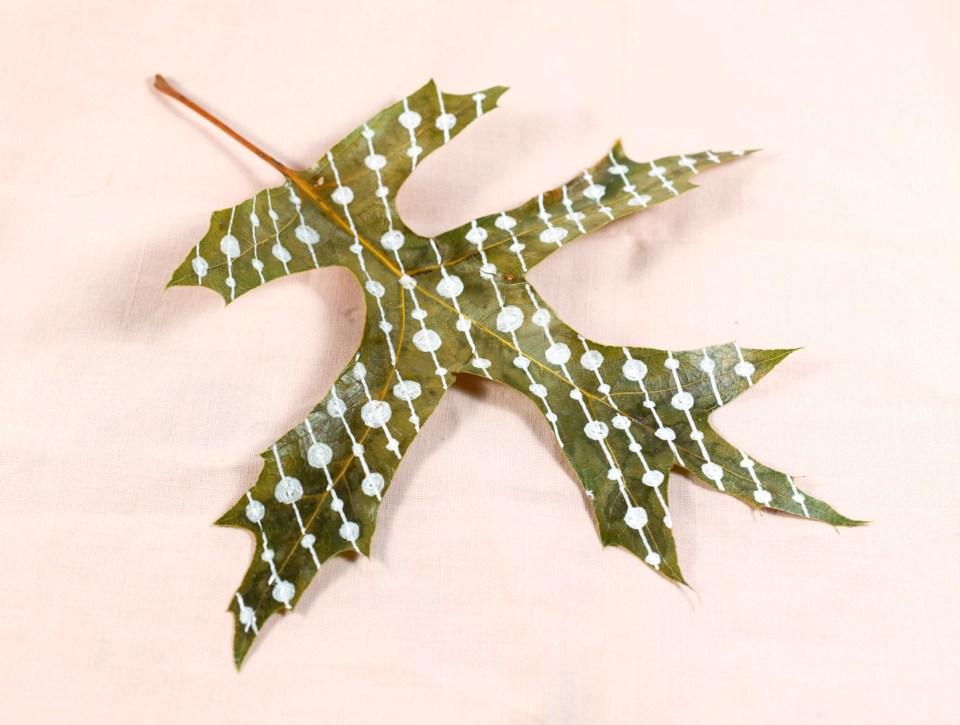 Step 2: Beads Leaf Motif