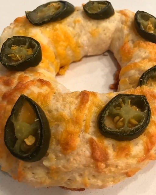 Jalapeño Cheese Bagels