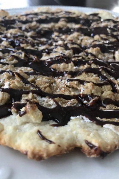 Cinnamon Crumble Dessert Pizza