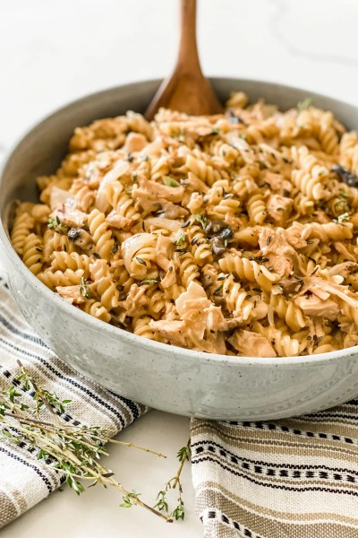 One Pot Creamy French Onion Chicken Pasta