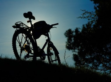 One of the main problems preppers seem to be drawn to solve is the very realistic potential of having to drop everything and bug out of your home in a moment's notice. Today I want to focus on one potential answer to the bugging out problem, the bug out bike.