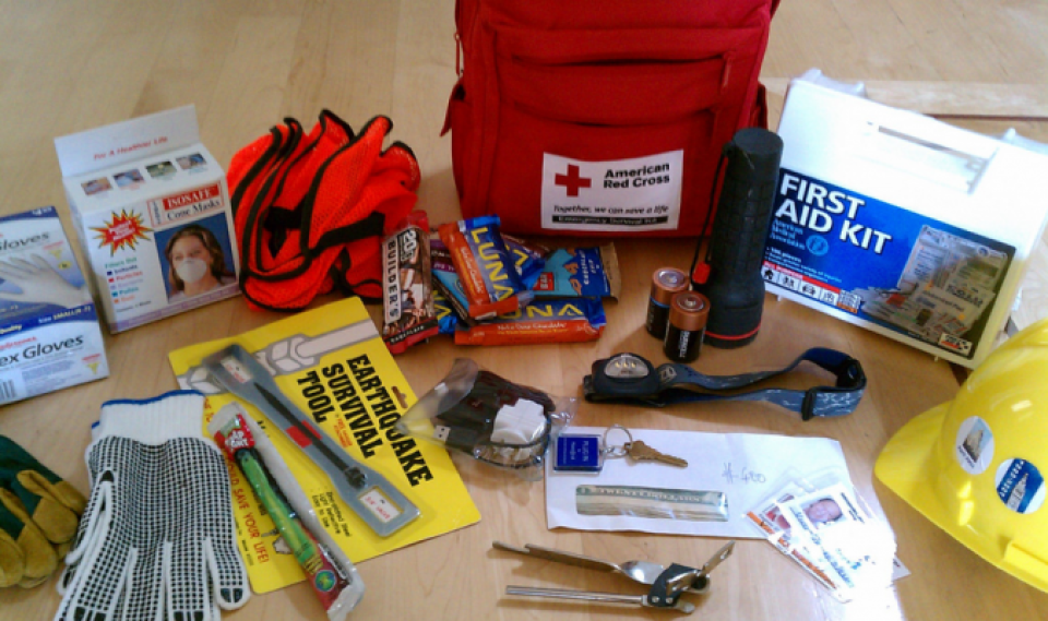 earthquake preparation kit
