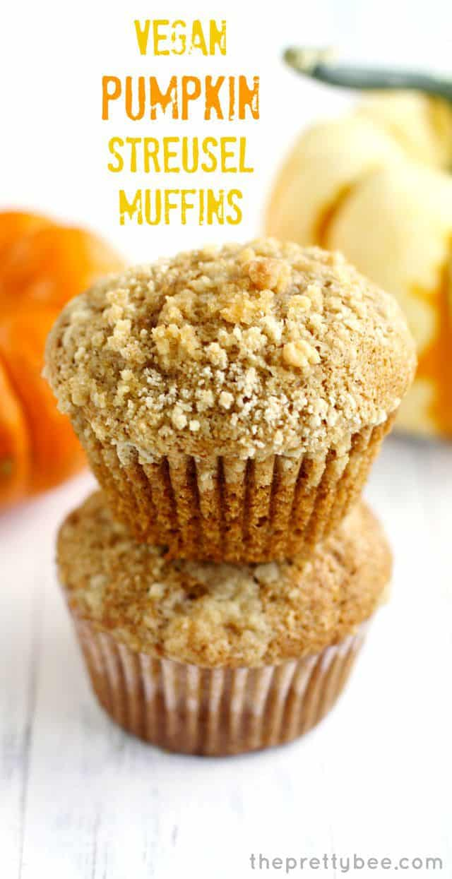 vegan pumkin muffins with streusel topping