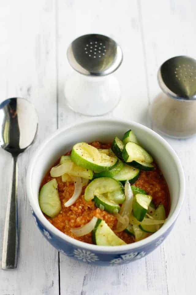tomato quinoa with zucchini and onions