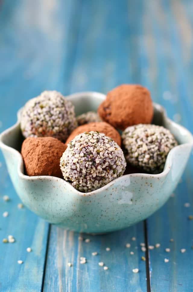 chocolate hemp seed energy bites