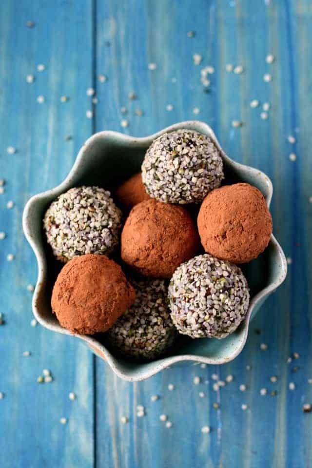 grain free chocolate hemp seed energy bites