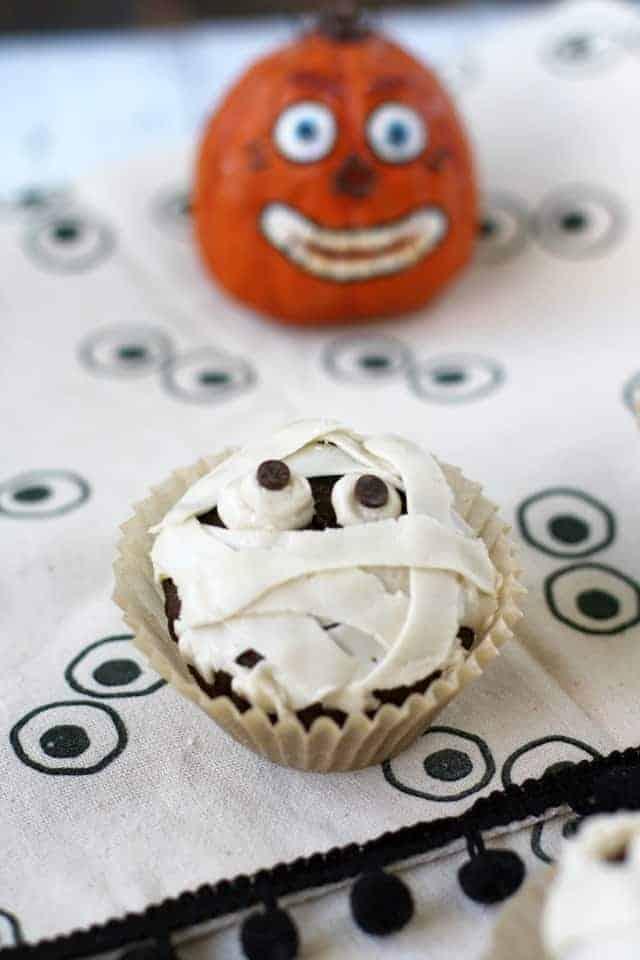 vegan mummy cupcakes