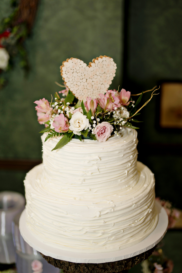 how to decorate wedding cake mountainside wedding a picturesque antebellum west 15683