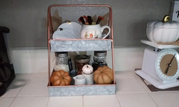 kitchen Christmas decorating and coffee bar ideas