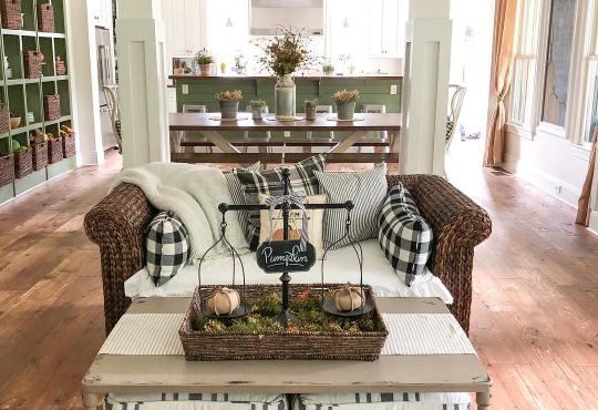Pretty Rustic Farmhouse for fall (home tour)