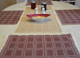 01_summerwinter_placemats_burgundy_table_sm