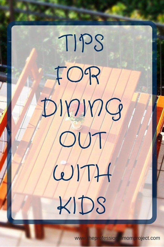 picnic benches - tips for dining out with kids