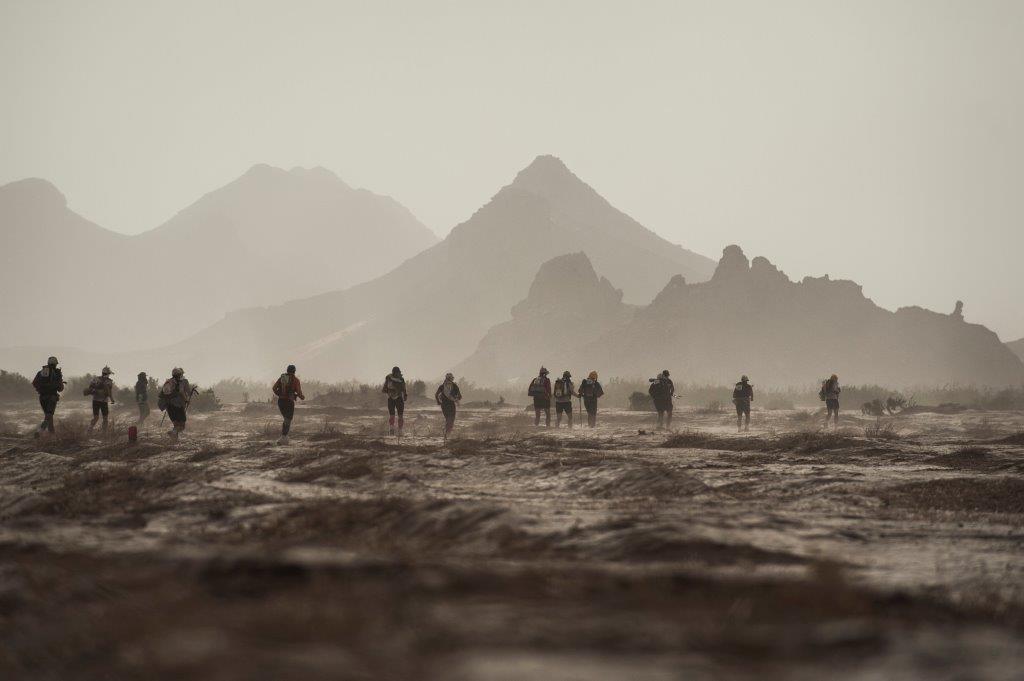 Marathon des Sables competitors in the desert