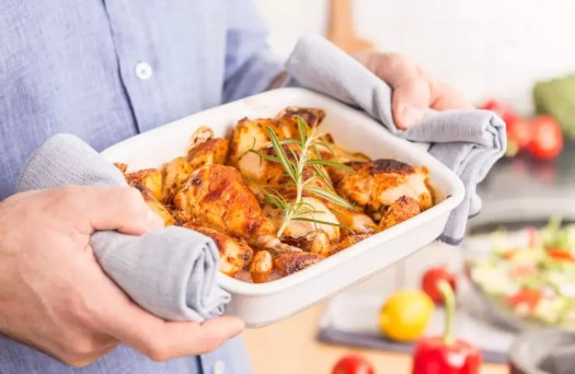 10 Slow-Carb Dinner Recipes - Rosemary Chicken with Oven-Roasted Ratatouille