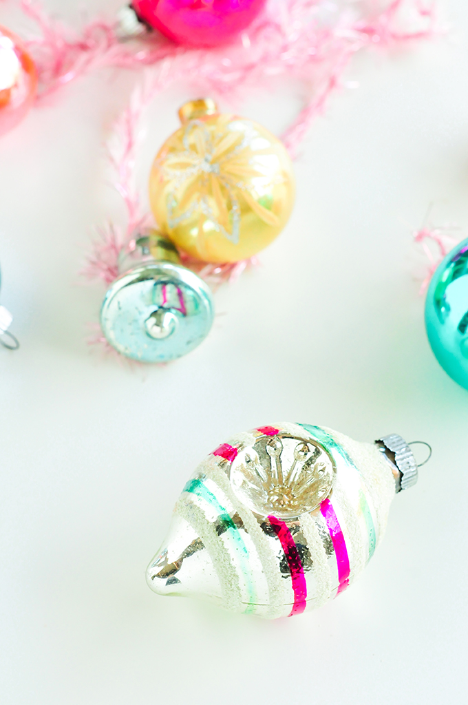 Free Vintage Ornament Wallpaper Download by @theproperblog