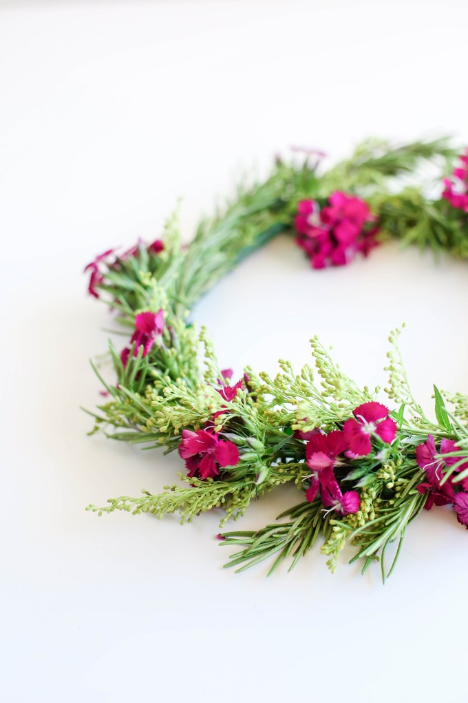flower crown by @theproperblog for Nicole's Classes