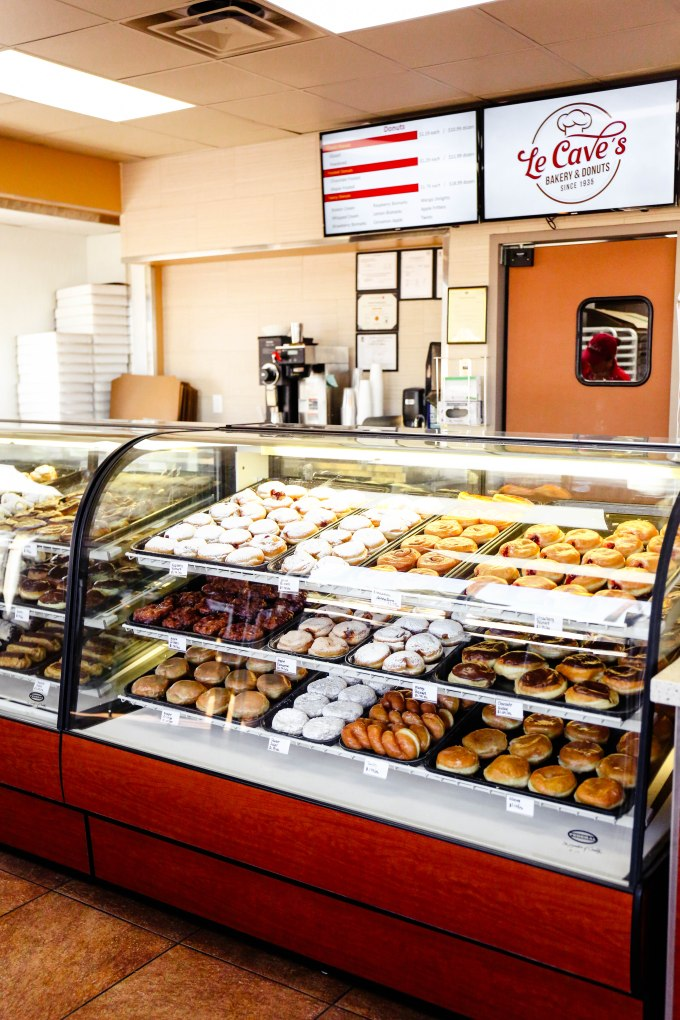 Le Cave's Donuts - Tucson