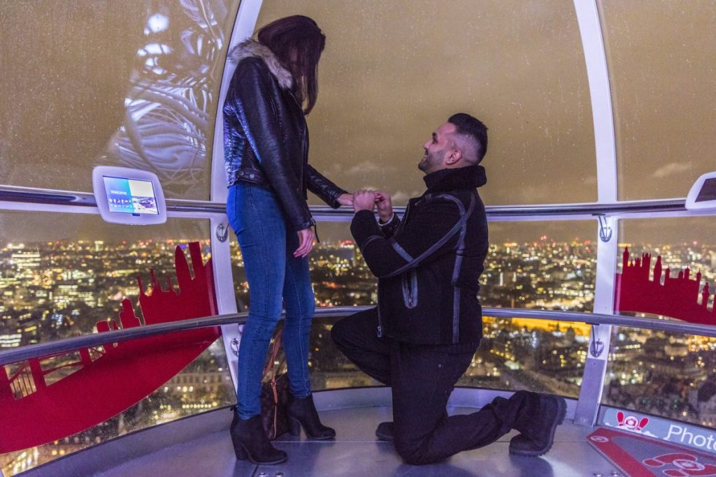 Marriage proposal on The London Eye planned by The Proposers.