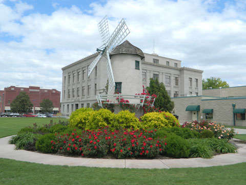Courthouse-and-Windmill