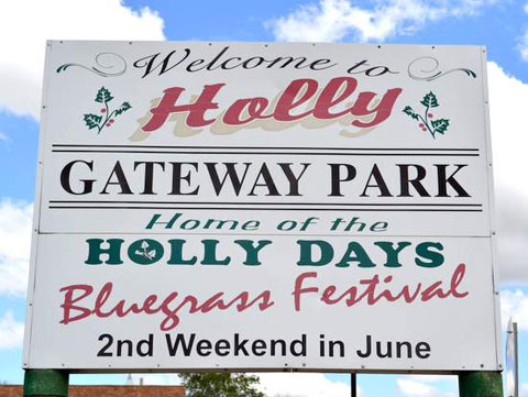 Holly-Gateway-Park-Sign