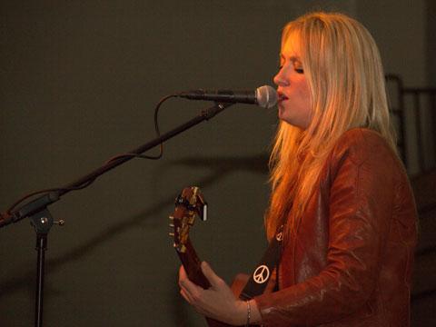 Clare Dunn at Farm-City Banquet, 2013
