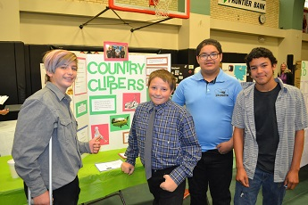 Students Pitch their Projects at E-Fair