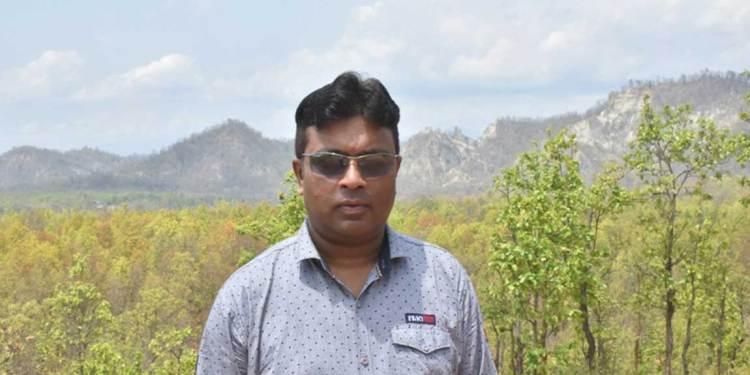 डिभिजन वन कार्यालय महोत्तरीका प्रमुख हेमन्त प्रसाद साह ।