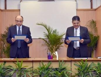 प्रोफेसर (डॉ.) प्रदीप कुमार जोशी ने यूपीएससी के चेयरमैन पद की शपथ ली