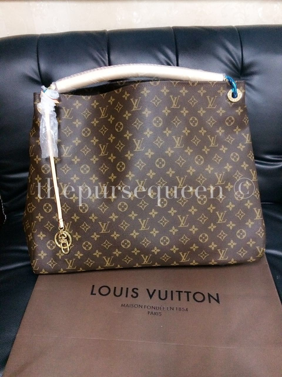 0c142fbdc138 Louis Vuitton Artsy MM Monogram Canvas Replica Review - Authentic ...