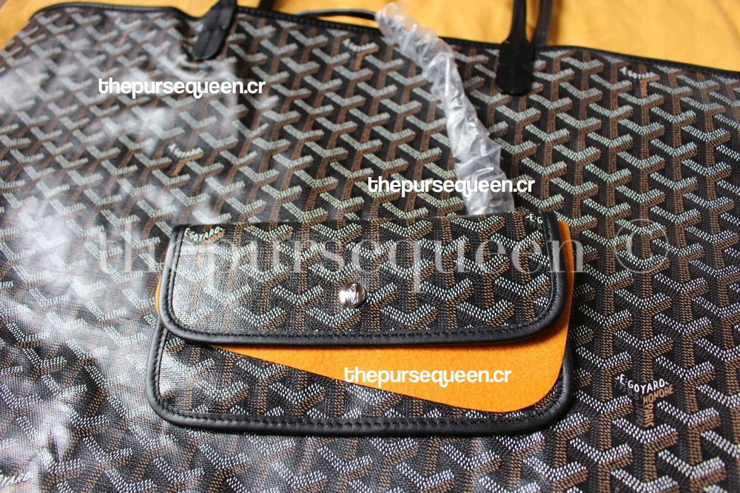 goyard-replica-saint-st-louis-tote-review-replicabags-fakevsreal-pouch