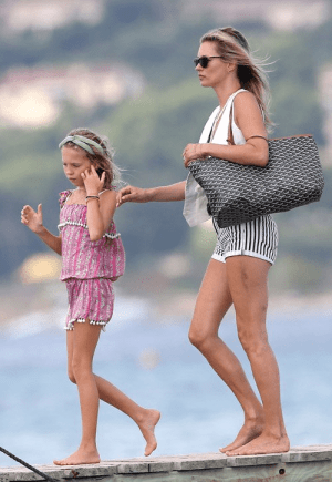 Kate-Moss-Goyard-St-Louis-Tote-Beach