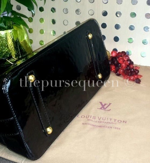 Replica Louis Vuitton Alma Vernis Bottom View
