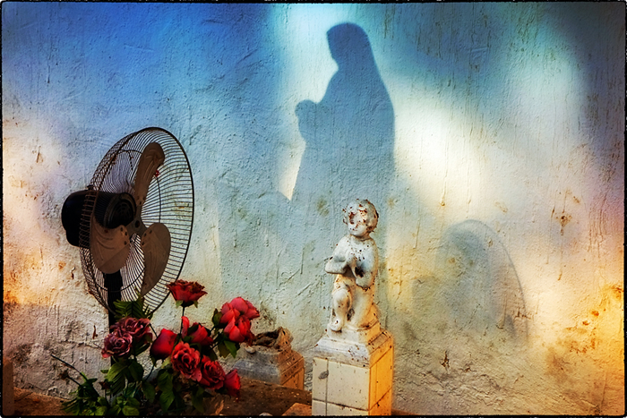 YAndrade-Fan-Shadow-and-Child-Campeche-700x467