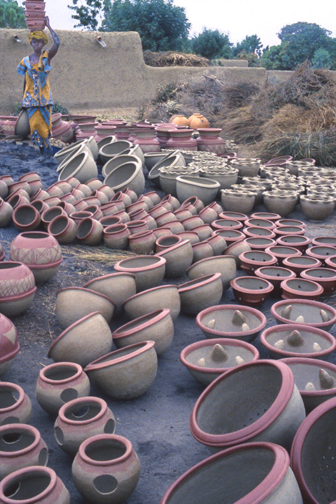 8-lots-of-pots-k54