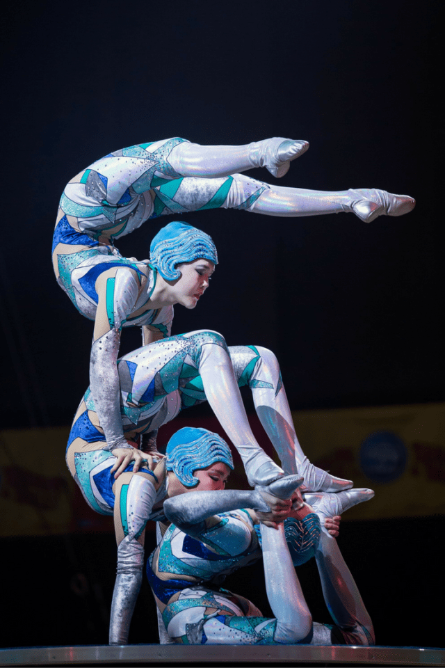ringling-bros-and-barnum-bailey-presents-out-of-this-world-1