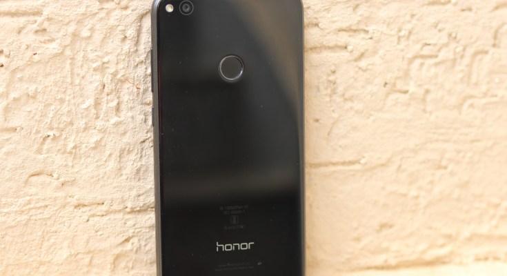 Honor 8 Lite Rear View