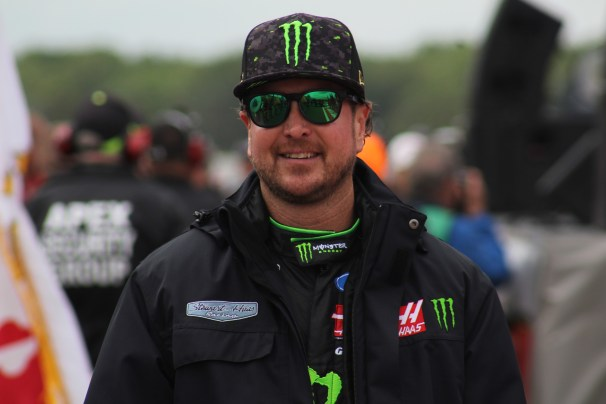 Kurt Busch walks during driver introductions for the 2018 Pocono 400. (Tyler Head | The Racing Experts)