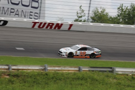 David Ragan races during the 2018 Pocono 400. (Tyler Head | The Racing Experts)