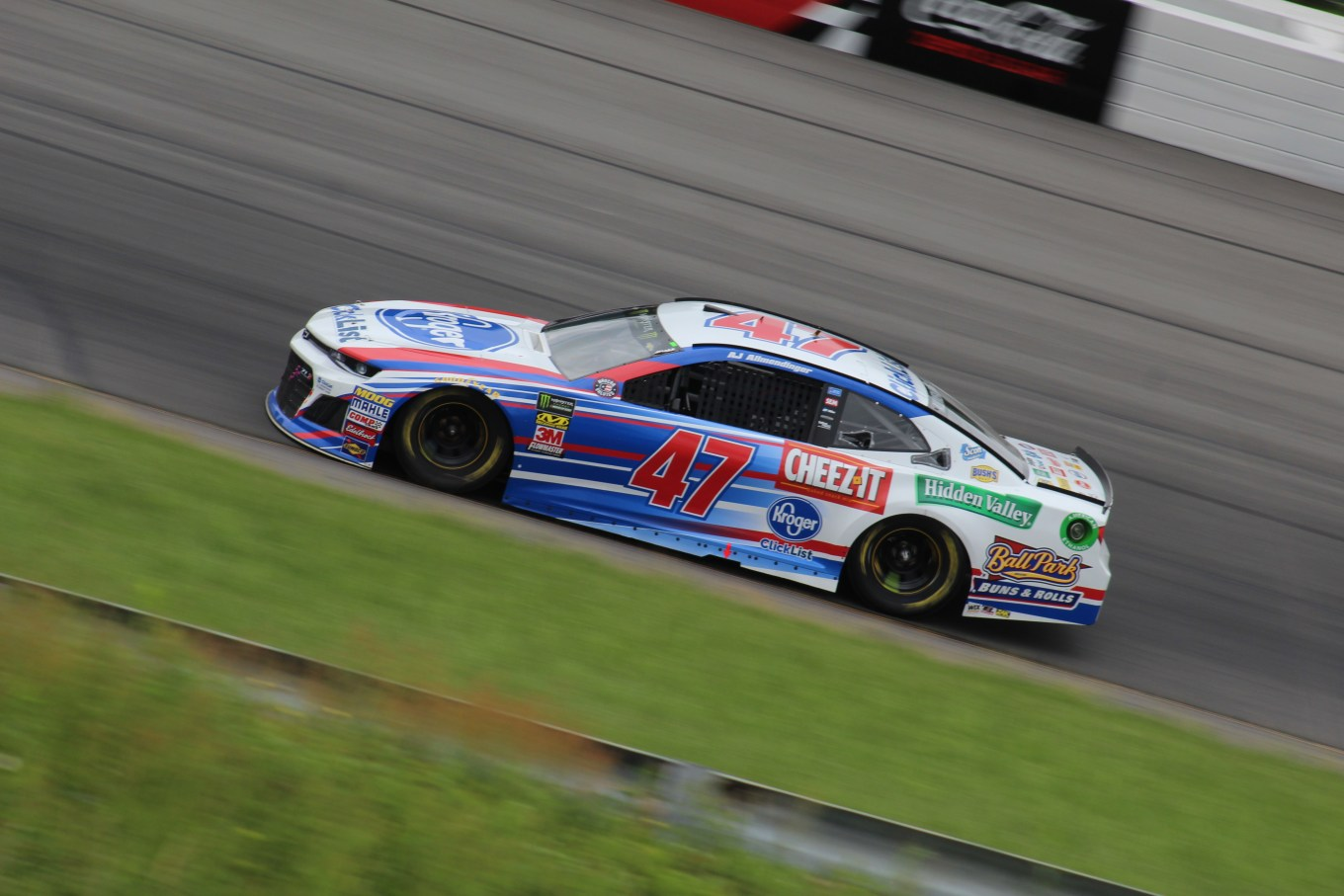 AJ Allmendinger races during the 2018 Pocono 400. (Tyler Head   The Racing Experts)