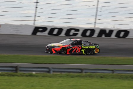 Martin Truex Jr. races during the 2018 Pocono 400. (Tyler Head | The Racing Experts)