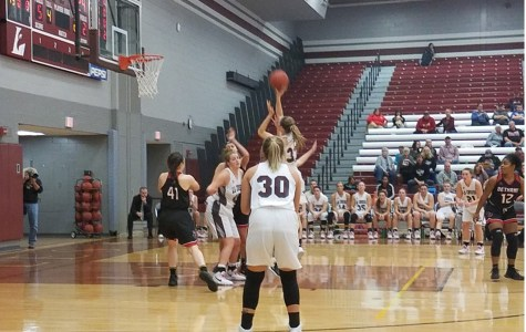 UWL Women's Basketball Extends Home Win Streak v.s Bethany