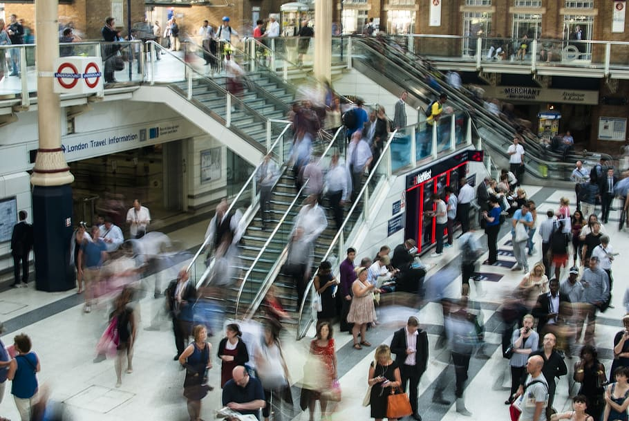 A traveller's guide around London tube stations