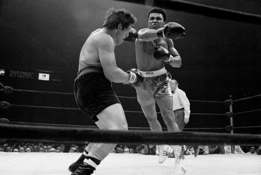 1970-1207-Muhammad-Ali-Oscar-Bonavena-014473459