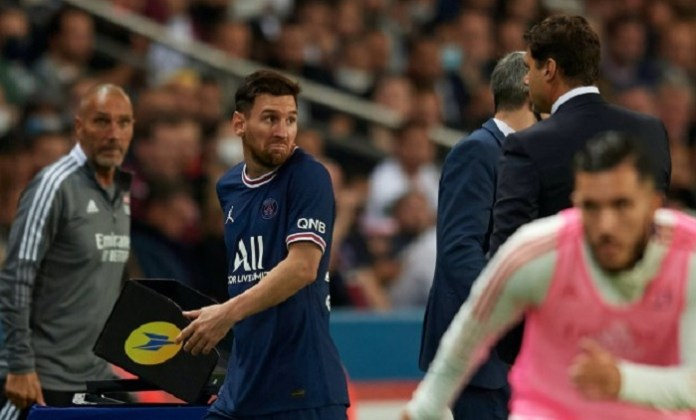 Footage could explain why Messi was subbed during PSG 2-1 Lyon