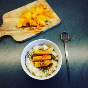 Porridge mit Melone Khaki und Chia